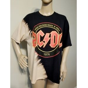 Tops - 🆕️ACDC High Voltage Rock N Roll 1976 Band Tee L